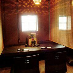 贅沢に2人で個室を貸しきり。何を語ろうか?
