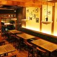 【宴会にも◎2階フロア】4名がけのテーブル席が並ぶ2階フロア。ちょっとした宴会やパーティーにもお勧め。