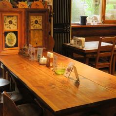 8名様で座れる広々としたテーブルも1卓ございます。