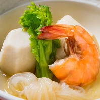 日本各地の海の幸、山の幸、野の幸を使った本格和食