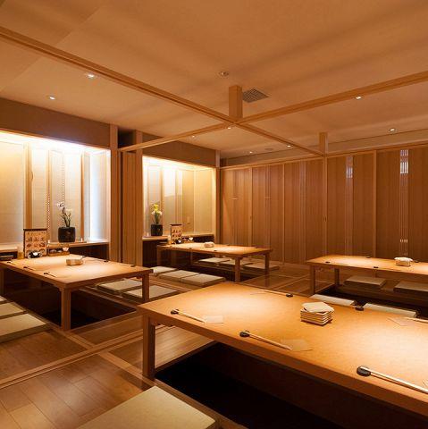 24名~36名様までの中宴会場。扉で仕切りのある個室になります