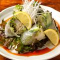 料理メニュー写真野菜と鮮魚の生春巻き