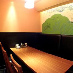 会社での飲み会や接待、友人とのお食事やデートなどご利用シーンに合わせてお席をご案内させていただきます。