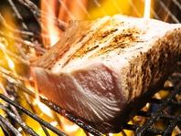 名物『ブリ潮タタキ』炭で炙ったブリを岩塩とニンニクで
