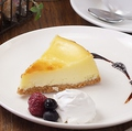 料理メニュー写真爽やかレモンチーズケーキ
