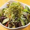 料理メニュー写真有機野菜の和風サラダ