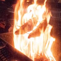 伝統の藁焼き製法で作る鰹のたたきはやはり絶品!!