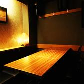 上質なテーブル席は急な飲み会にも大切な接待にもぴったりの上質な和装空間となっております。(新橋/個室/居酒屋)