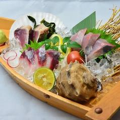 料理メニュー写真瀬戸内!刺身の船盛り3種
