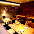 3F 落ち着いたテーブル席。30~50名(立食時)でフロア貸切可能!歓迎会、社内パーティーなど様々なシーンでご利用頂けます。