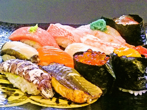 道産の旬の素材を毎日市場から厳選して仕入れている。小樽の味を堪能できるお店。