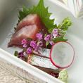 季節ごとの旬の鮮魚をコースのお造りでご提供します。