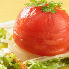 料理メニュー写真まるごとトマトのサラダ