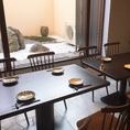 1階 10名様 テーブル席庭を見ながら大切な方々とのお食事を楽しめます10名様まで座る事が可能です
