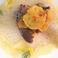 フレンチスタイルの旬魚の魚料理です。ハマグリの出し汁の効いた旨み抜群のソースです。