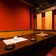 梅田で大規模宴会をお考えの幹事様必見!当店は団体様のご利用も大歓迎しております!モダンな雰囲気の広々空間でワイワイとご宴会を◎