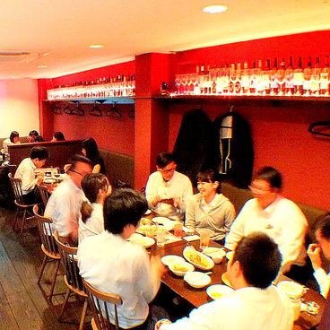Grill&Bar Hi-Five ハイファイブ 田町の雰囲気1