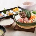 料理メニュー写真桜姫鶏のとろろ鍋御膳