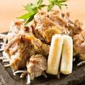 料理メニュー写真黄金軍鶏 もも肉の西京味噌焼き 朴葉の香りとともに