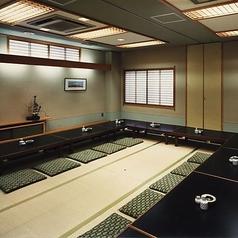 2階の個室2部屋をつなげて35名様~最大40名様まで貸切利用可能。