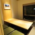 人数に合わせて4名/6名/8名/10名/14名/20名/30名とレイアウト可能のテーブル席。※写真は6名席の例