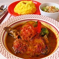 料理メニュー写真チキン野菜カレー(ミニサラダ付き)