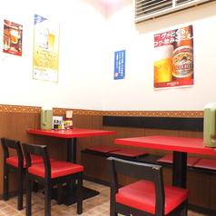 気軽に楽しんでいただけるテーブル席はお帰り前の飲み会に人気!