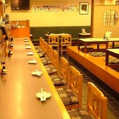 1階にはカウンターもご用意しております。今宵は静岡の日本酒にまつわる物語を肴に地酒に酔いしれてはいかがでしょう。