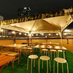 【Camping Terrace席】2名~6名様でご利用頂けるお席です。連結すればで25名様まで可能!【camping×parasol Terrace席】ホール貸切25名~◎団体様大歓迎!キャンピングテラス席の貸切は25名様からOK!