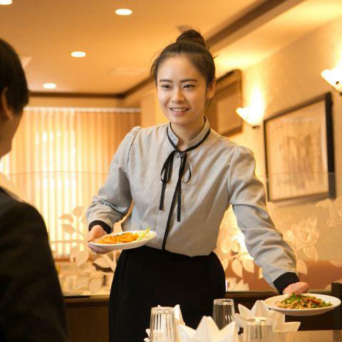 お客様の心に響く丁寧な接客でおもてなし♪清潔感のある店内で、ここでしか味わえない本場の中国料理をお楽しみください!!