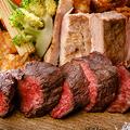 料理メニュー写真黒毛和牛門崎熟成肉&ブランド豚TOKYOX入り&大山鶏3 種盛り
