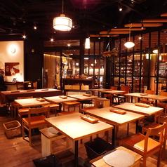 カフェらしいセンスで居心地よく仕上げた空間です。普段使いにもパーティー利用にも最適です。