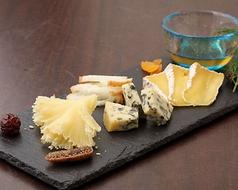 5種チーズの盛り合せ