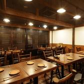 茅場町の一番人気♪20名様まで入れるテーブル個室♪茅場町店のメインホール♪部署のお集まりに最適♪仲良くワイワイいかがですか?