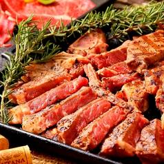 料理メニュー写真札幌最安値の大人気!厚切りTボーンステーキ骨付500g