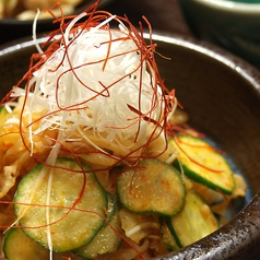 料理メニュー写真ミミガー胡瓜のピリ辛和え