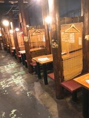 4名様用テーブル席♪がっつり飲みでもちょい飲みでも使い勝手よく楽しめます!