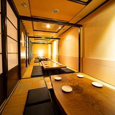 最大35名様までご案内可能なテーブル個室は一体感を持ってお愉しみ頂けるため大変好評です♪空席状況等お気軽にお問合せ下さいませ♪