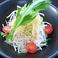 料理メニュー写真青くび大根と鶏ササミの梅ダレサラダ