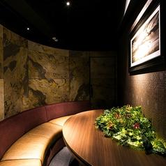 半円型の秘密の完全個室。女子会やデートにぜひご利用下さい。