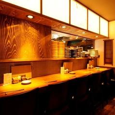 カウンター席はキッチンスタジアムのアリーナ席!出来上がっていくお料理をみながら、ビールで乾杯☆デート・少人数でのお食事にもオススメです◎お一人様でも比較的飽きることなくお楽しみ頂ける席となっております。
