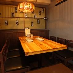 どんなシーンでもご利用いただけるテーブル席2※混雑時お席2時間制の場合御座います。