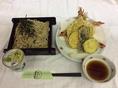 さくさくの天ぷらと榑木野の蕎麦がマッチ!