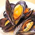 料理メニュー写真活ムール貝の白ワイン蒸し