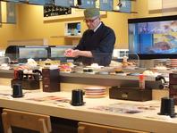 職人が目の前で握ってくれる回転寿司『力丸』