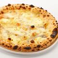 料理メニュー写真ピッツァ/4種チーズ