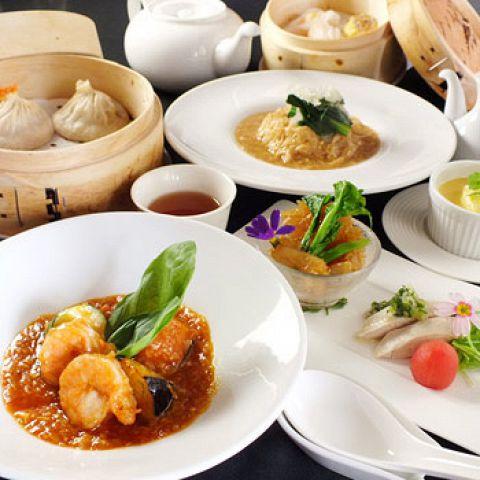 JOE'S SHANGHAIの看板メニューが3品【特製小籠包、麻辣豆腐、鎮江黒酢の酢豚】も入ったリーズナブルなランチコースです♪ママ会にもおすすめ!