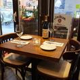 2名~OKのテーブル席は、デートやママ会、各種パーティーに◎貸切は15名様~40名様まで対応!