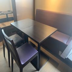 使い勝手◎のテーブル席もご用意2~4名様までご着席可能です!