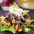 料理メニュー写真若鶏の唐揚げ 八丁味噌ソース